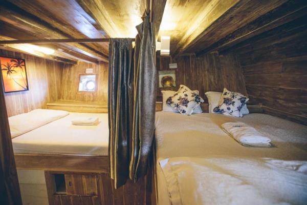 Cajoma IV Twin Cabin - Liveaboard Indoensia
