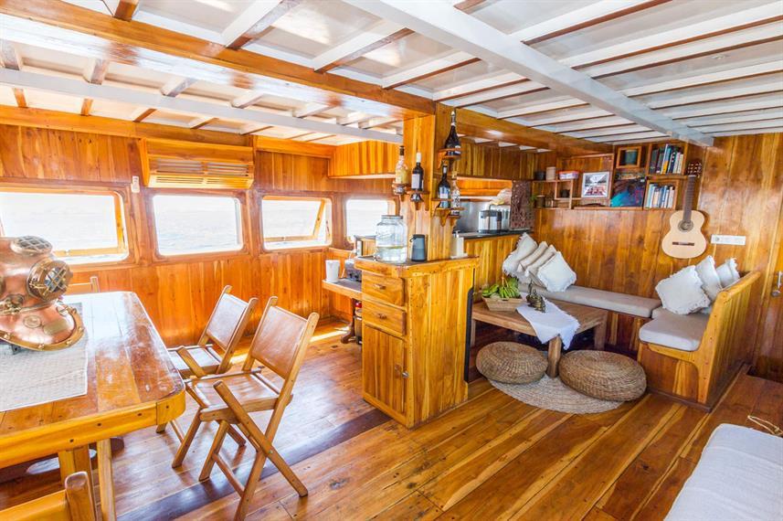 Kelana Liveaboard Boat Indonesia - Liveaboard Indonesia (12)