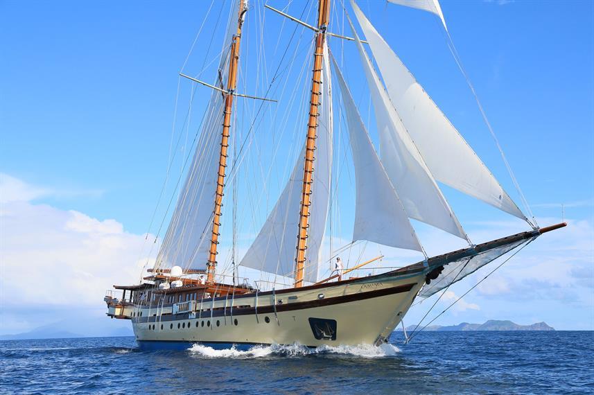 Lamima Liveaboard Boat - Liveaboard Indonesia (1)
