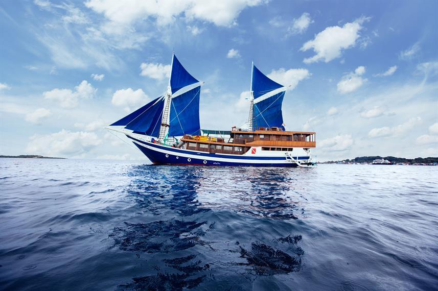 Raja Ampat Explorer - Liveaboard Indonesia (11)