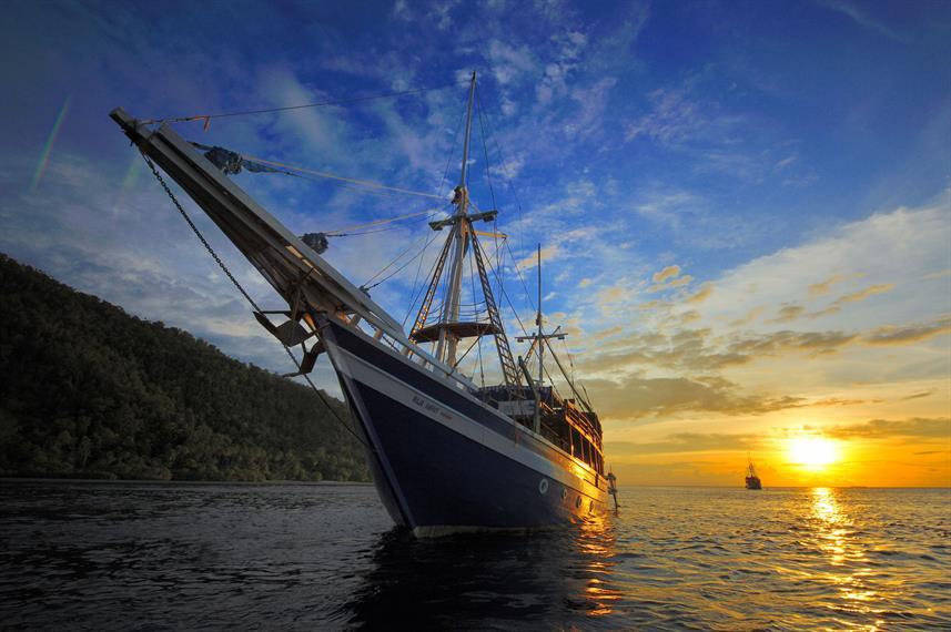 Raja Ampat Explorer - Liveaboard Indonesia (9)
