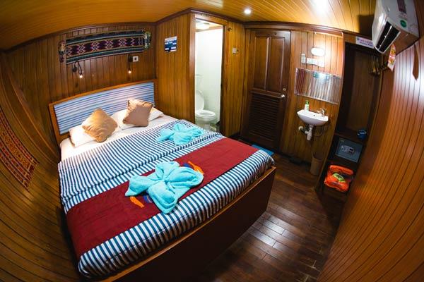 Sea-Safari-VI-Indonesia-Liveaboard-Lower-Deck-Cabin