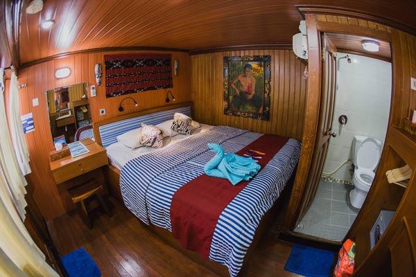 Sea-Safari-VI-Indonesia-Liveaboard-Middle-Deck-Cabin