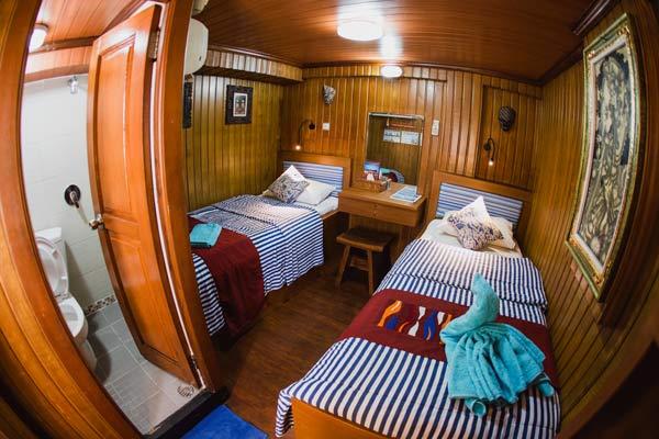 Sea-Safari-VI-Indonesia-Liveaboard-Upper-Deck-Cabin
