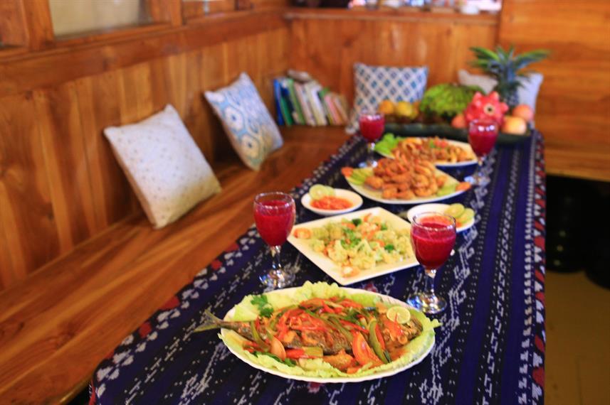 indoor-diningw857h570crwidth857crheight570