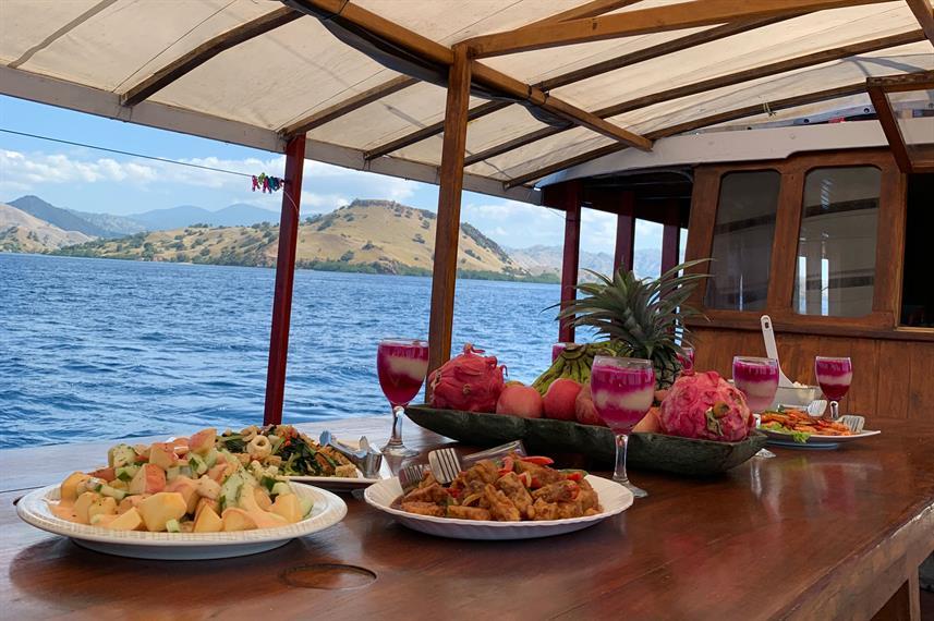 outdoor-diningw857h570crwidth857crheight570